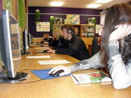 Учащиеся на занятии производственного обучения